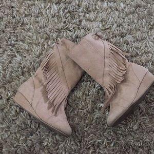 Girls gymboree boots size 9 guc